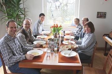 Gemeinsame Mittagssuppe